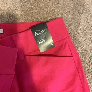 NWT Ankle Hot pink NYC stretch pants. Size 4